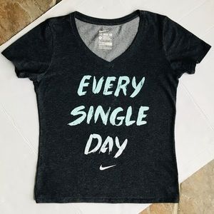 """THE NIKE Tee Dri-Fit """"Every Single Day"""" Top Small"""